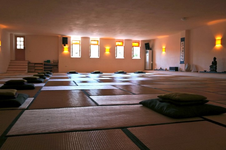 Tao's Center | Paros | Greece | Big meditation Hall | workshop venue