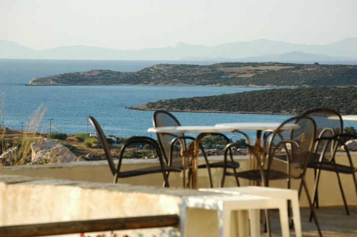 greek islands solo vacation | taos center | Paros | Greece